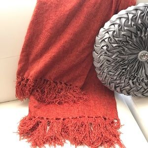 """Home Accents 50""""x60"""" throw plus 4""""x2 fringe. NWT"""